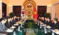 Vietnam y Corea del Sur por promover la asociación estratégica