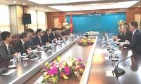 Vietnam solicita cooperación de Estados Unidos para construir ciudades inteligentes