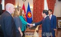 Vietnam dispuesto a facilitar operaciones de empresas estadounidenses en su país
