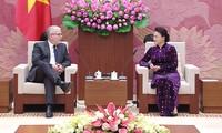 Líder parlamentaria de Vietnam reciben a embajadores de Australia y Nueva Zelanda