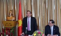 Vicepremier de Vietnam visita la Embajada nacional en Singapur