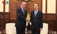 Presidente vietnamita recibe a los embajadores salientes de Eslovaquia y Austria