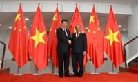 Primer ministro de Vietnam dialoga con el presidente chino