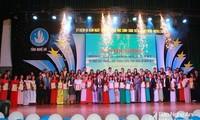 Provincia de Nghe An honra a los estudiantes destacados