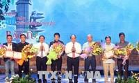 Otorgan premios del concurso de composición de canciones sobre la victoria de Dong Loc