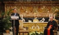 Presidente surcoreano asiste a la misa especial por la paz en el Vaticano
