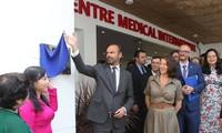 Premier Edouard Philippe asiste a la inauguración del Centro de Medicina Francesa en Ciudad Ho Chi Minh