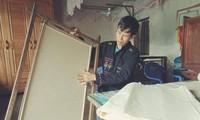 Fabricación artesanal de papel de la etnia Cao Lan