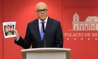 Venezuela presenta pruebas de implicación de fuerzas derechistas en intentona golpista