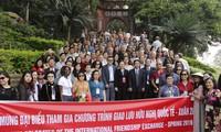Phu Tho recibe a delegados internacionales en recorrido amistoso por zona patrimonial
