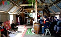 Recipiente de aguardiente: objeto sagrado de la etnia Ede en Vietnam