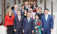 Prosigue agenda del primer ministro vietnamita en Rumania