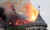 Líderes mundiales lamentan el incendio en la Catedral de Notre Dame