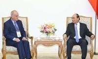 Premier vietnamita recibe a la delegación de Organización de Agencias de Noticias de Asia y Pacífico