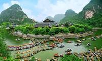 Celebran Festival de Trang An en Ninh Binh