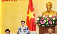 Comité Permanente del parlamento vietnamita revisa leyes y trabajos del gobierno