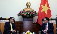 Viceprimer ministro de Vietnam da bienvenida al embajador tailandés