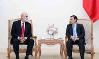 Vicepremier vietnamita recibe a experto económico israelí