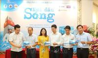 Presentan un libro sobre la vida cotidiana en Truong Sa