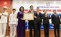 Hospital de Medicina y Farmacia de Ciudad Ho Chi Minh condecorado con Orden de Trabajo de primera categoría