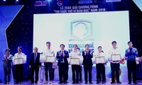 Honran obras e iniciativas destacadas por el desarrollo educacional de Vietnam