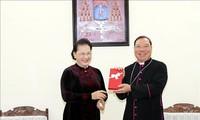 Presidenta del Parlamento vietnamita ensalza aportes de los religiosos