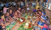Visitas a las hijas casadas, antigua costumbre aún preservada en la etnia Co Tu
