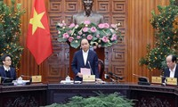 Primer ministro vietnamita pide redoblar esfuerzos para prevenir el coronavirus