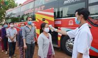 Ciudadanos vietnamitas apoyan orden gubernamental de distanciamiento social