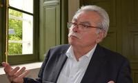 Líder parlamentario francés llama a unir voces contra bloqueo a Cuba