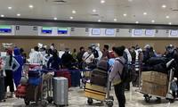 Repatriados cientos de vietnamitas varados en Filipinas por brote epidémico