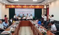 Hanói honra a buenos ejemplos en la sociedad