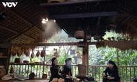 Thai Hai, una aldea típica de la etnia Tay en plena ciudad
