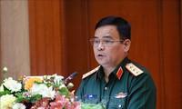 Realizan cinco vuelos para transportar asistencias a las zonas afectadas por inundaciones en el centro vietnamita