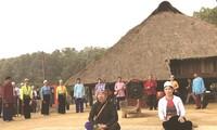 La minoría étnica Muong en Hoa Binh se empeña en mantener su lengua materna