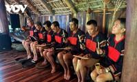 Los artesanos de la etnia Ede renuevan la música tradicional de los gongs