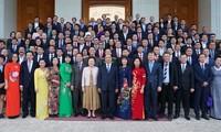 Premier vietnamita confía en un mayor desarrollo del empresariado nacional
