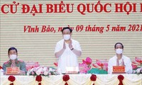 Líder parlamentario se reúne con candidatos a la Asamblea Nacional en Hai Phong