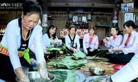 Pastel de arroz negro, un plato especial de la etnia Muong