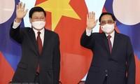 Dirigentes de Vietnam y Laos ratifican el interés de implementar con eficiencia los acuerdos sellados