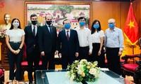 La Voz de Vietnam refuerza la cooperación con socios de Argentina y Noruega