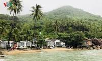 Exploring the Hon Son island in Ha Tien bay