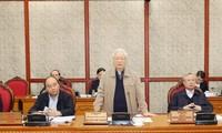 Réunion du Bureau politique sur l'élaboration des documents du 13e Congrès national du PCV  