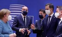 Sommet européen: la relance européenne à 1.800 milliards franchit son dernier obstacle