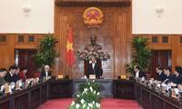 Réunion entre le Premier ministre et des responsables de la province de Binh Phuoc