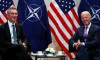 Le chef de l'OTAN évoque le renforcement de l'Alliance lors d'un entretien avec Joe Biden