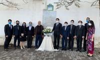 Hommage aux journalistes algériens décédés au Vietnam