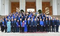 Nguyên Xuân Phuc à la rencontre des jeunes exemplaires
