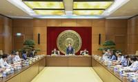 Réunion entre Vuong Dinh Huê et la Commission des relations extérieures de l'Assemblée nationale