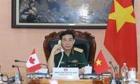 Conversation téléphonique entre les ministres vietnamien et canadien de la Défense